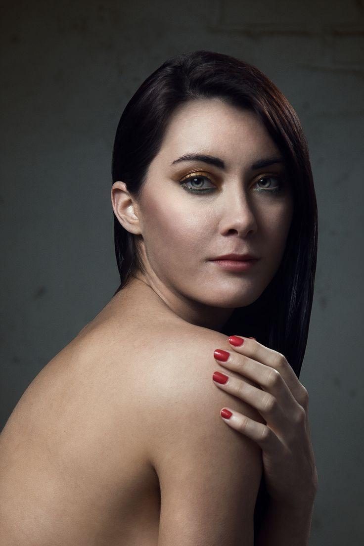 Milé ženy, toužíte také po takovém portrétu? Nový portrét v mém portfoliu - http://michalbotek.cz/foto-a-postprodukce-zeny/