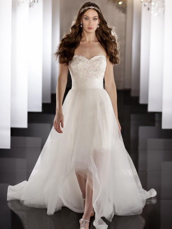 A-line/Princess Sweetheart Sleeveless Court Train Chiffon Wedding Dresses