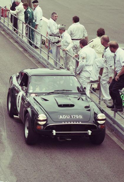 24h du Mans 1964 .. Sunbeam Tiger #8 .. Pilotes: Claude Dubois / Keith Ballisat