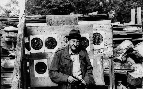 El día que William Burroughs jugó a disparar como Guillermo Tell | Cultura | EL PAÍS