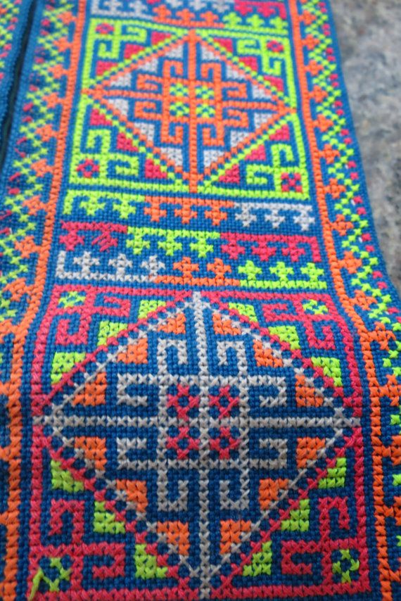This piece of vintage embroidery beautiful work handmade from the mieo hill tribe Thailand, Measurements 22 inches long by 3 1/2 inches x2 wide, This piece can be used for a number of different things they are gorgeous will look beautiful anywhere around the home, All goods are sent with the thai post office with a tracking number, Delivery time is about 14-21 days but could take a little longer,