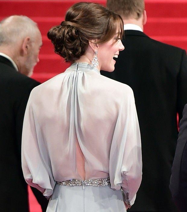 Kate Middleton vai a lançamento de filme e dispensa sutiã