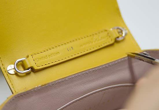 The work behind the limited bags. El trabajo tras los bolsos de edición limitada. #onesixonebag
