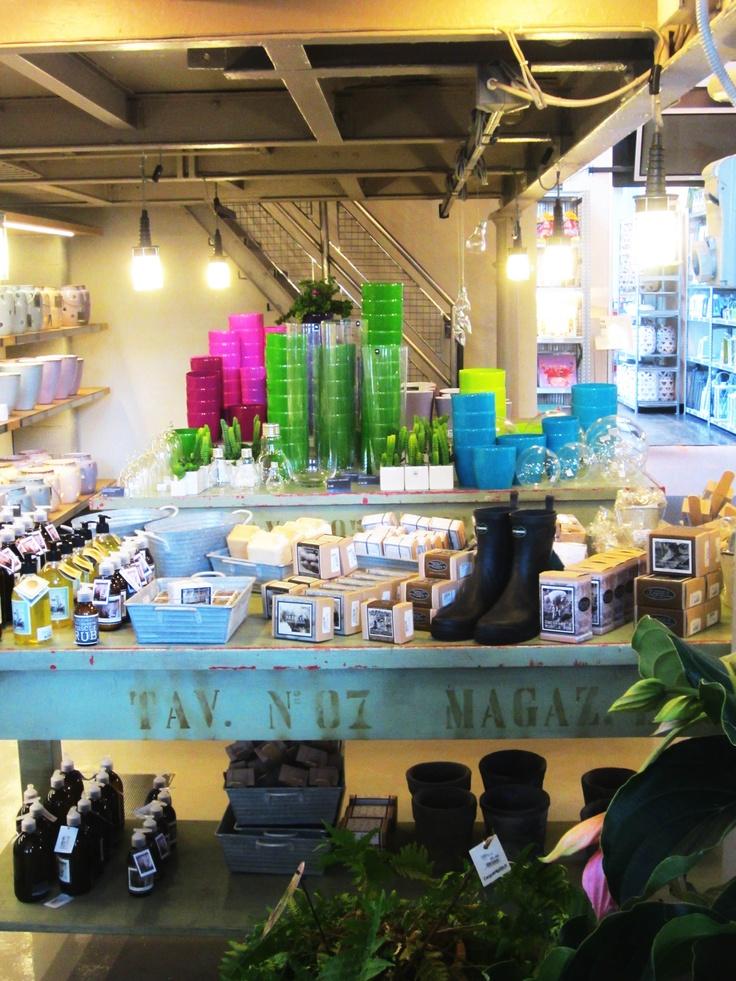 Cargo store via meucci 39 milano my favorite stores for Cargo via meucci