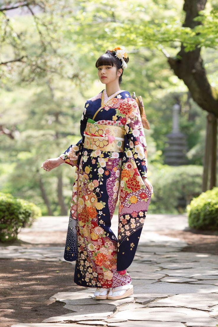 Komatsu Nana 小松菜奈 for Kyoto Kimono Yuzen 京都きもの友禅 - Kyoto, Japan - 2017 Source Twitter @kimono_yuzen