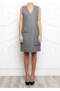 Vestido estilo saco de tejido tipo tweed muy fino y suave en color gris. Disponible aquí: http://filarprim.com/faldas-y-vestidos/328-vestido-estilo-saco-gris.html