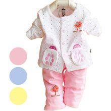 Yeni varış 2015 sonbahar kış kız bebek giysileri seti yenidoğan bebe giyim tops+pants çocuk pijama arabacılarla conjuntos bebek rahat(China (Mainland))