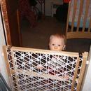 Hack your baby-gate for narrow doorways