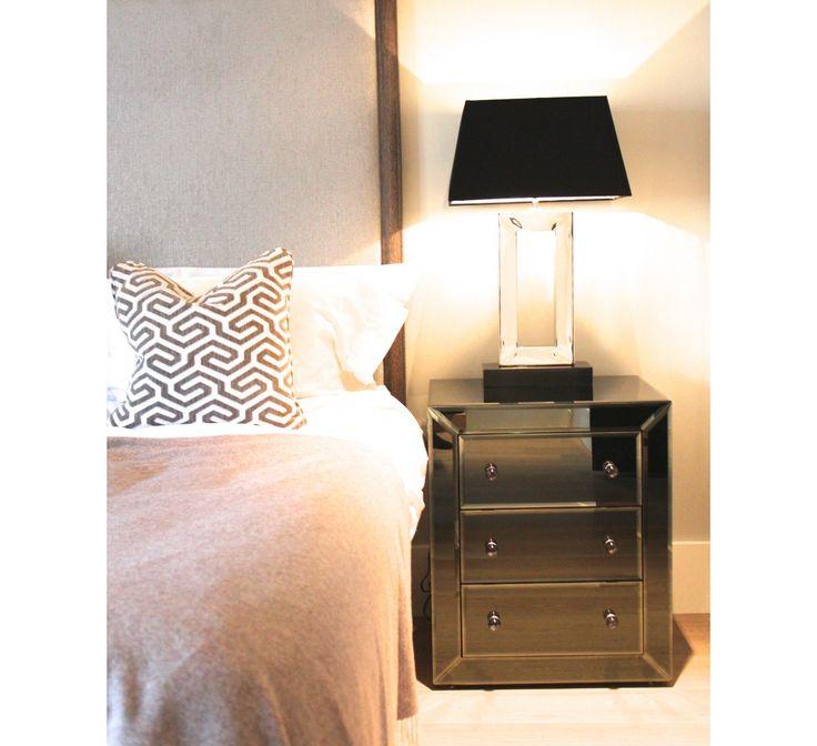 Bedside Mirror - Sidebord / Nattbord - NATTBORD - Soverom