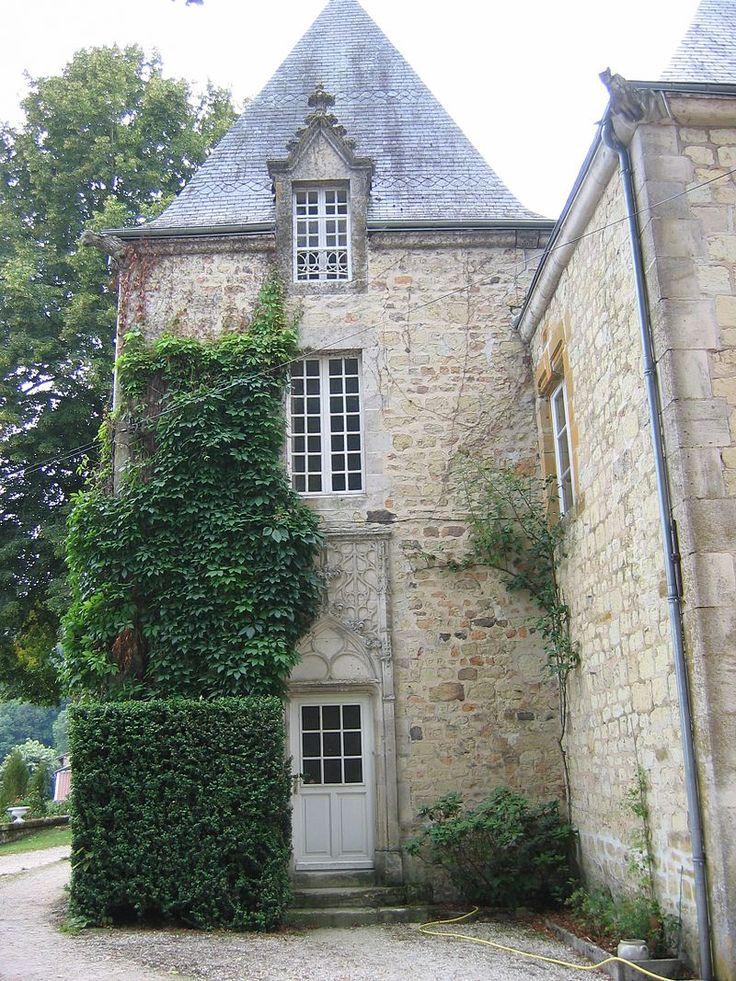 Cornay tour carre du chateau
