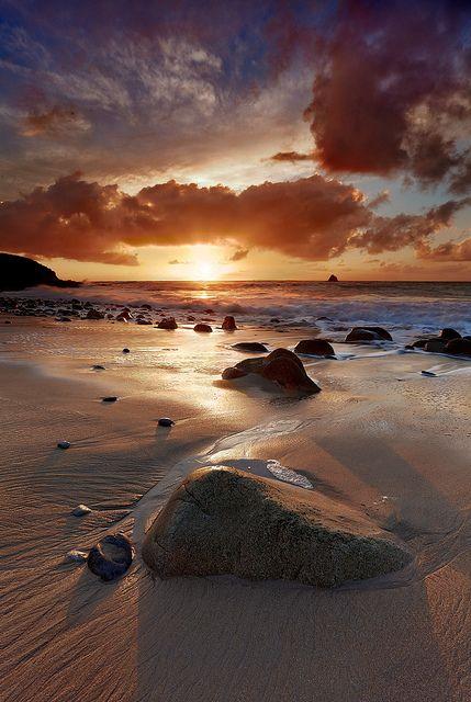 Coucher de soleil sur le Golfe du Morbihan. Brittany