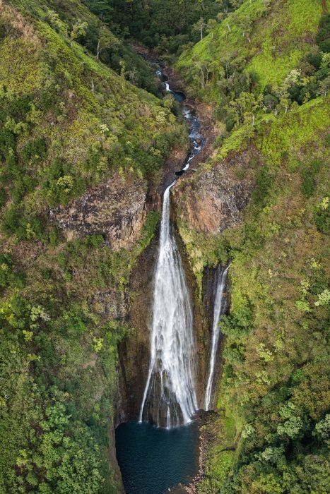Deze waterval is beroemd van de film Jurassic Park. Gefotografeerd vanuit een helikopter.