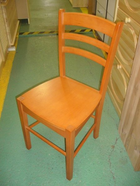 židle masiv třešeň