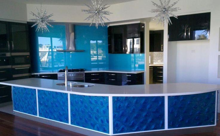 Glass kitchen splashback and island bench - Voodoo Glass, Gold Coast - http://www.voodooglass.com.au
