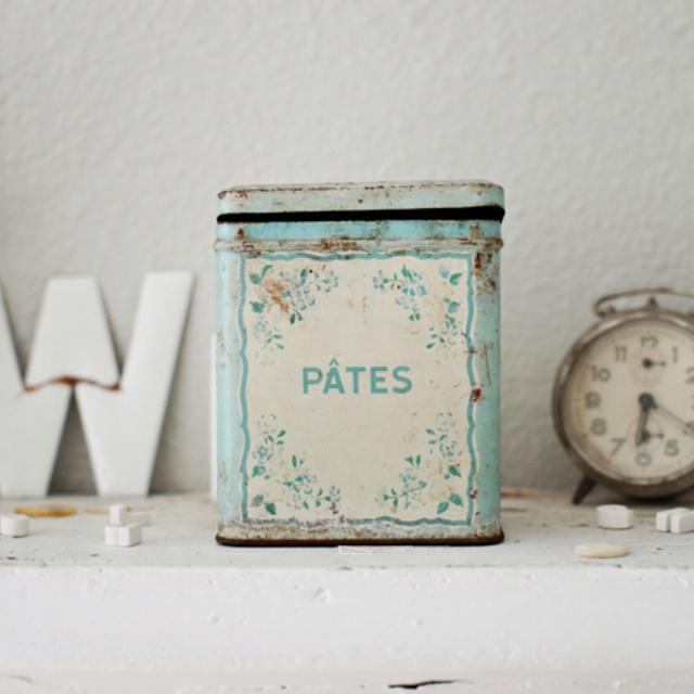 Vintage Tea Tin 80