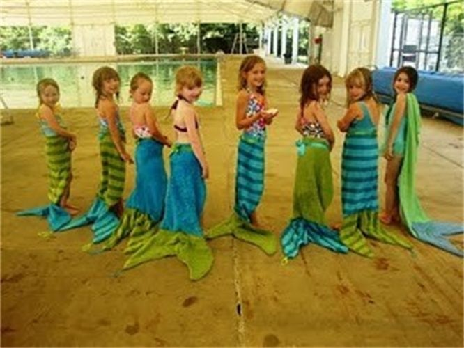 What a great idea for little girls party - mermaid towels birthday party