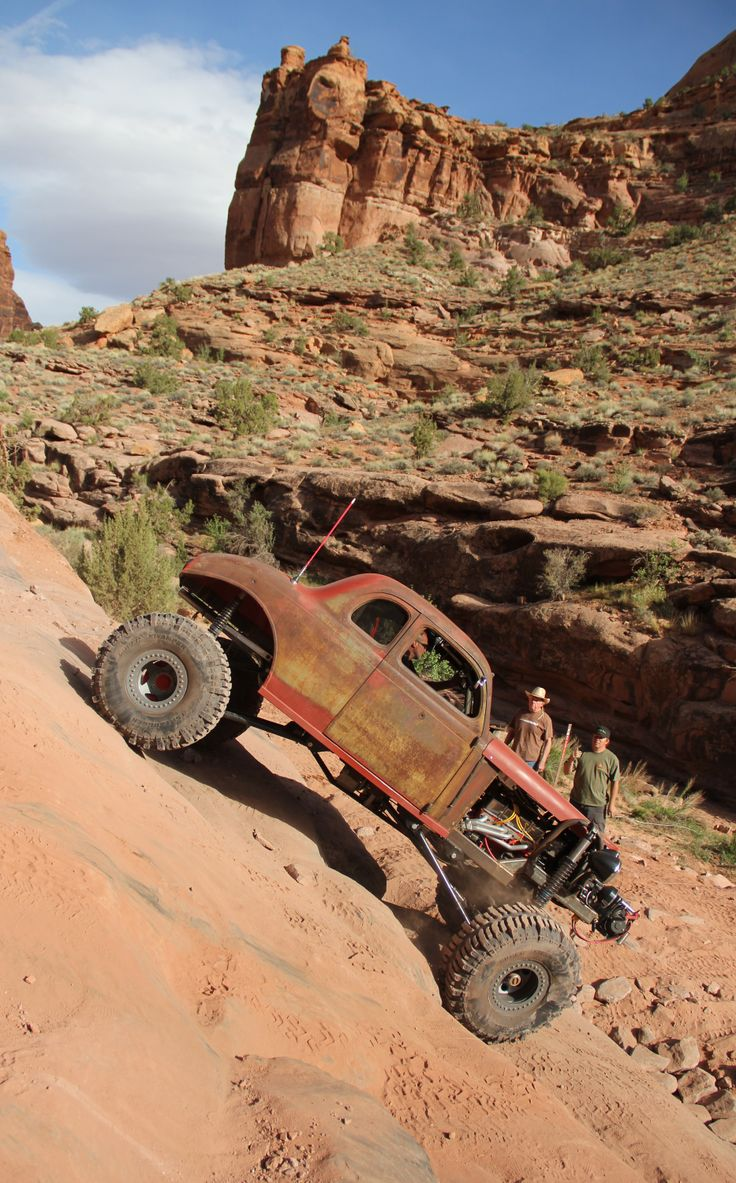 http://image.4wheeloffroad.com/f/off-road-events/moab-2011/36643470/rat-rod-plymouth.jpg
