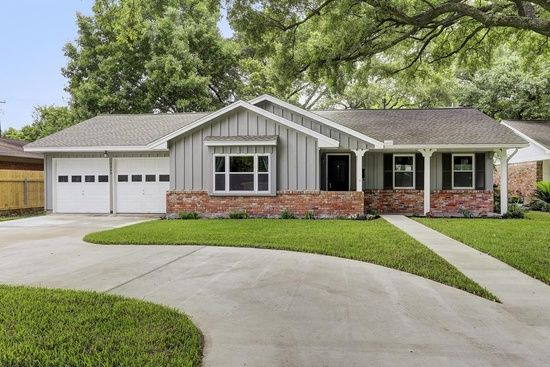 Beautiful family house for sale in houston tx 11 for Beautiful metal building homes