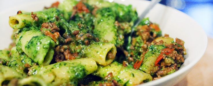 Dinner: De allerlekkerste pasta pesto ooit: met spinazie, gehakt & tomaatjes   Gewoon wat een studentje 's avonds eet   Bloglovin