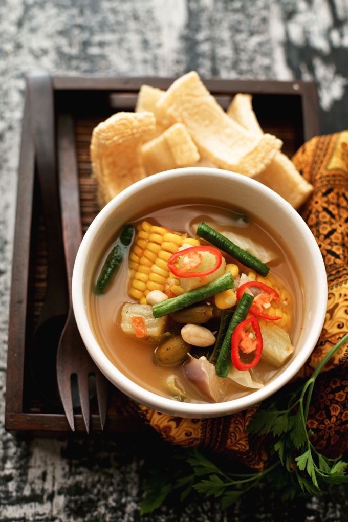 SAYUR ASEM. ( It's refreshing soup derived from tamarind pairs well  with vegetables and some of Indonesia's most interesting ingredients: melinjo, bilimbing sayur, chayote, melinjo leaves, sweet corn (still on the cobs), young papaya, peanuts, and tamarind).