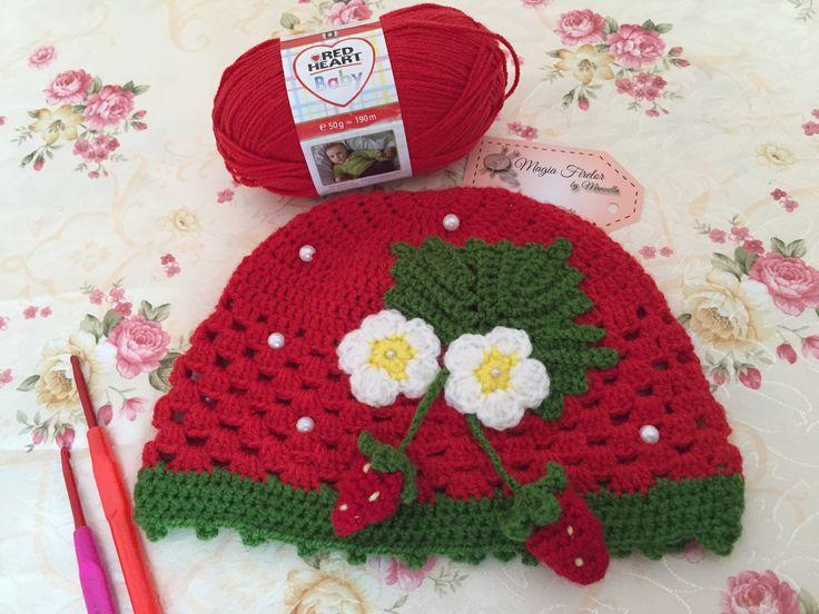 Strawbery crochet hat