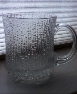 Tapio Wirkkala designed Iittala Ultima Thule drinking mug