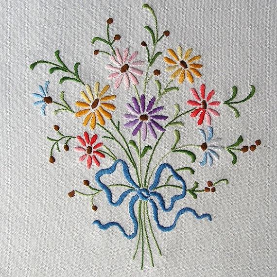 "satin-stitch ""Bouquet"" (1970s), hand embroidered, White Canvas My Wealth"