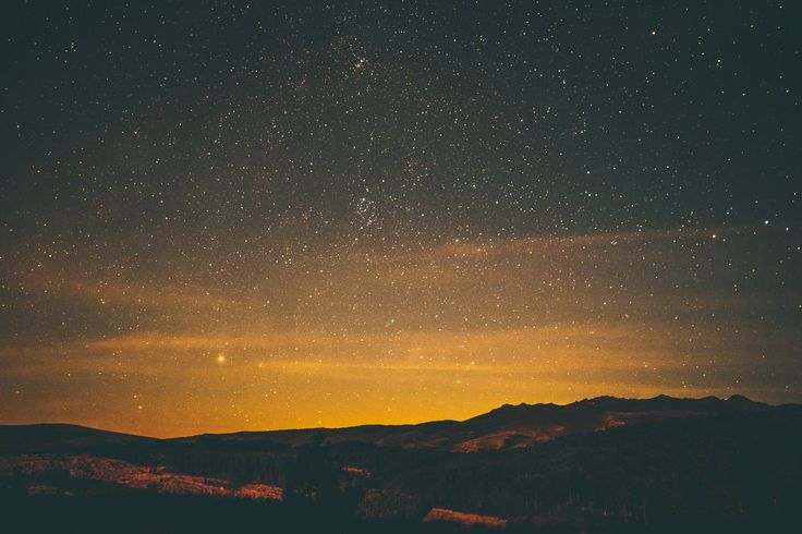 [#HD Wallpaper] A golden sunset fades into a dark starry night sky over some mountains - #Laptop #Wallpaper #Star #TabletComputer Macintosh, High-definition television, 1080p, Night sky  - Photo by Aperture Vintage @aperturevintage (unsplash)  - Follow #extremegentleman for more pics like this!