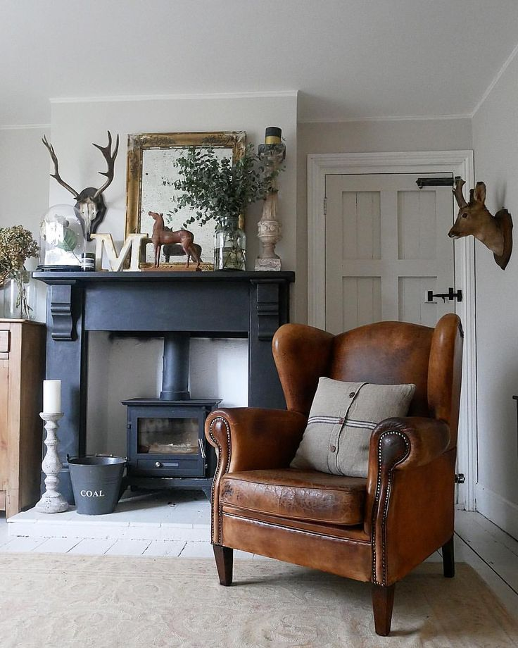 "319 Likes, 21 Comments - Claire McFadyen (@louisagraceinteriors) on Instagram: ""Leather chair love... #hallway #leatherchair #leather #armchair #wingback #antiques #fireplace…"""