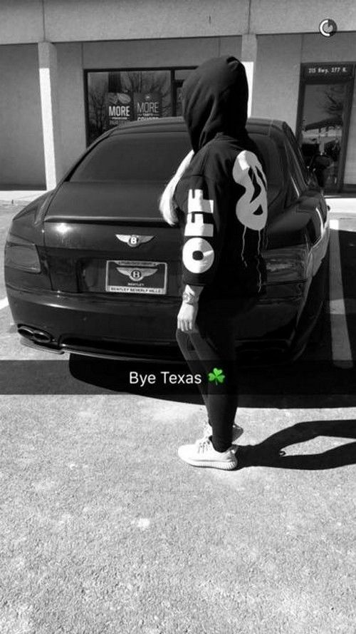 Rob Kardashian must be madly in love with Blac Chyna. Who drives from Los Angles to Austin, Texas – just about 1,400 miles – to pick up their allegedly...