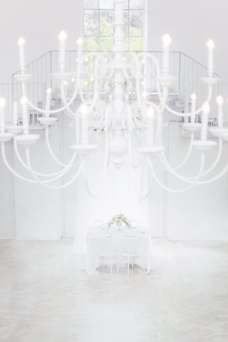 Total white || Photo by Paola Colleoni Photography || styling by Princess Wedding || www.princesswedding.it