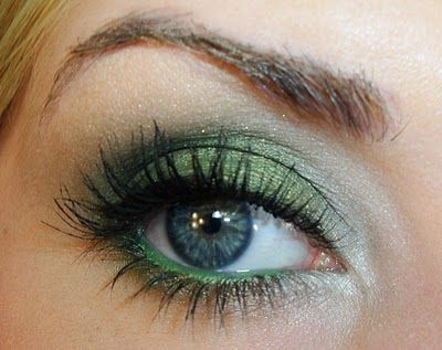 Holiday Emerald Eyes Makeup Tutorial