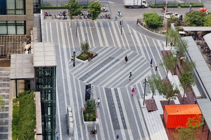 001-Waiting for the Next Ten Minutes - U-Center Plaza by by Z + T STUDIO