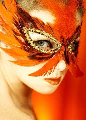... son materiales perfectos para decorar un antifaz de carnaval