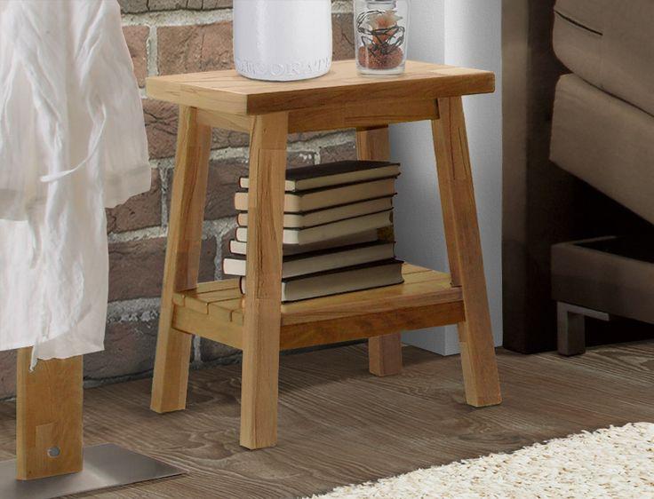 Schlichter Nachttisch mit stilvollen Stahl-Elementen Bettende - schlafzimmer style
