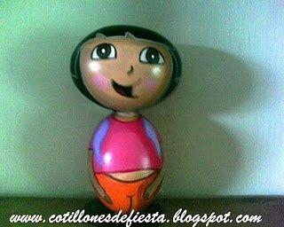 Figura hechas con cáscaras de huevo