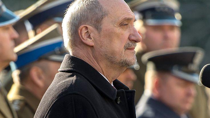 Emocjonalny list ministra obrony Słowacji do ministra Macierewicza - TVN24