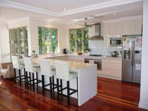 u-form küche weiße, glänzende Kücheninsel