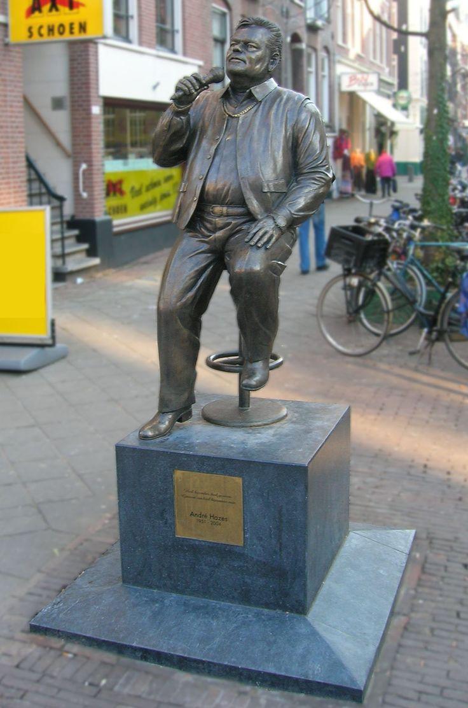 Standbeeld André Hazes - Albert Cuypmarkt