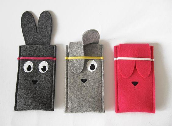Rabbit iPhone case made of woolfelt: