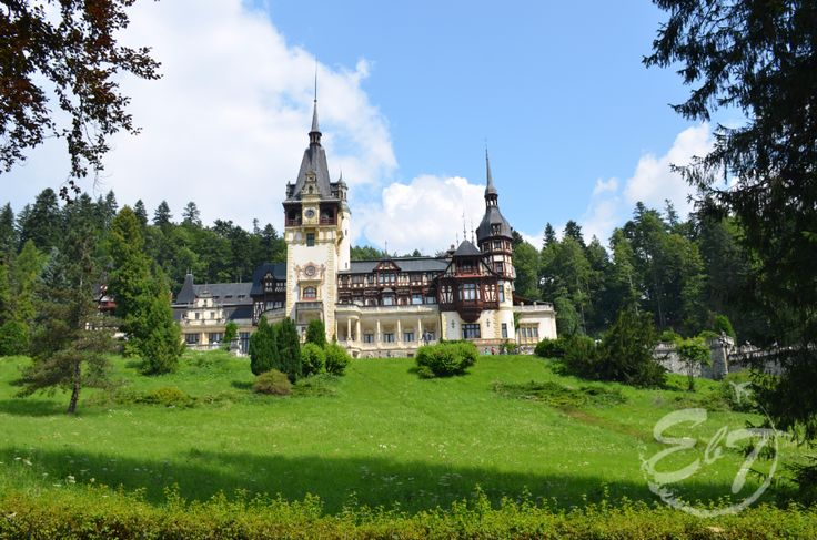 Peles Castle, one of the most beautiful buildings in #Romania #Dracula