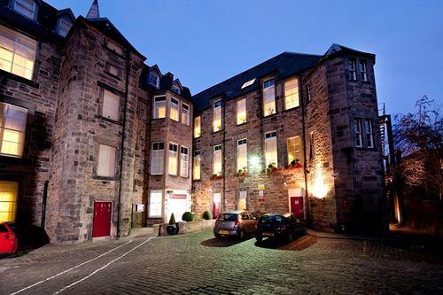 Edinburgh City Hotel - Hotels.com - $186/nt   4.3/5 review, victorian hotel, free wifi, no breakfast, modern rooms
