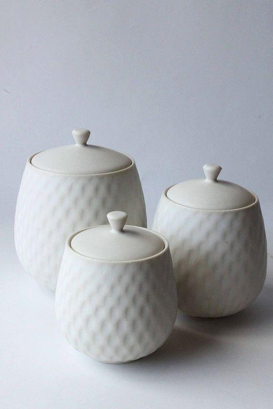 Mayumi Yamashita. White Ceramic Jars.