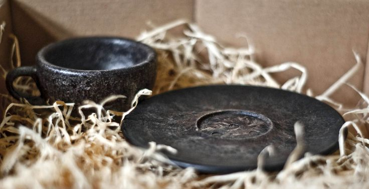 Julian Lechner�s Kaffeeform espresso cups made of coffee grounds are dishwasher safe