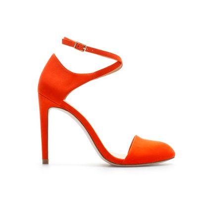 Pomarańczowe szpilki z zakrytymi palcami - Zara