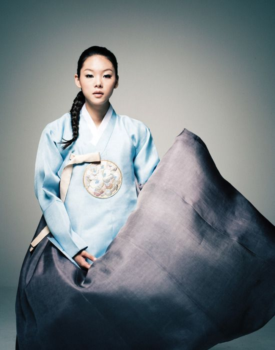 Korean traditional dress by Hanbok Lynn