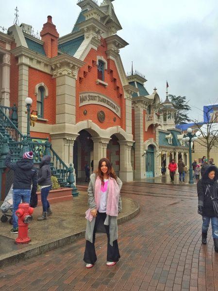 Kiwi Tells | Geziler, Disneyland Paris