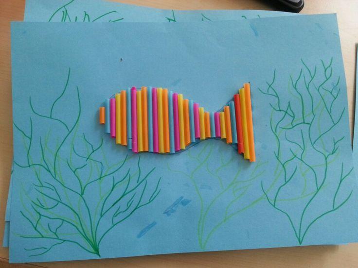 Vis met rietjes