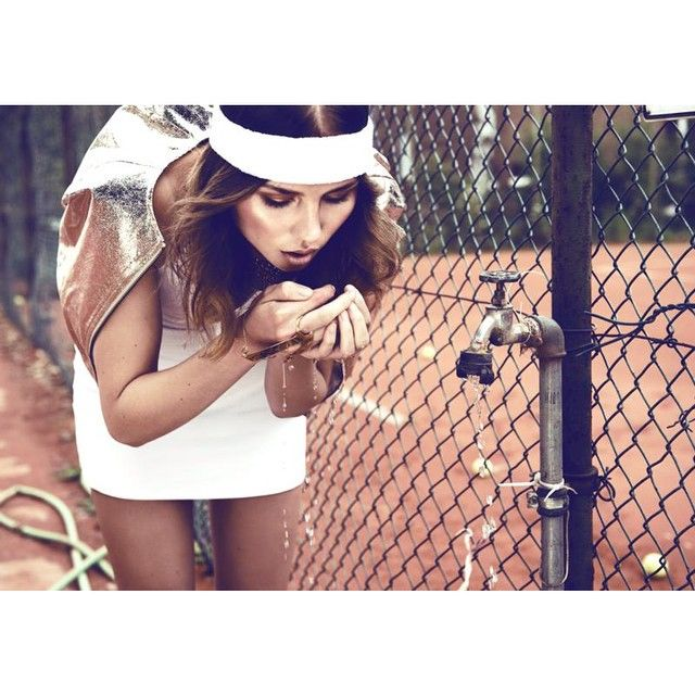 Hydration station #fitbabe #tennis #timeout #winning #modesportif