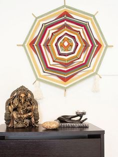 DIY-Anleitung für Deko selbermachen: Mexikanische Wanddeko aus Wolle und Holz / diy craft idea for home decor: mexican wall carpet via DaWanda.com
